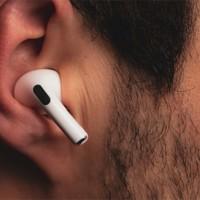 Đánh giá thiết kế tai nghẹ Airpods